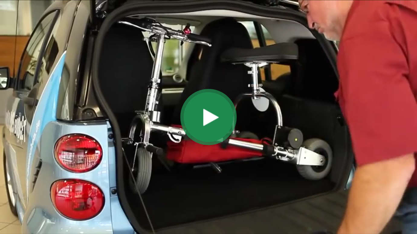 The mobility scooter TravelScoot fits in the trunk of your car